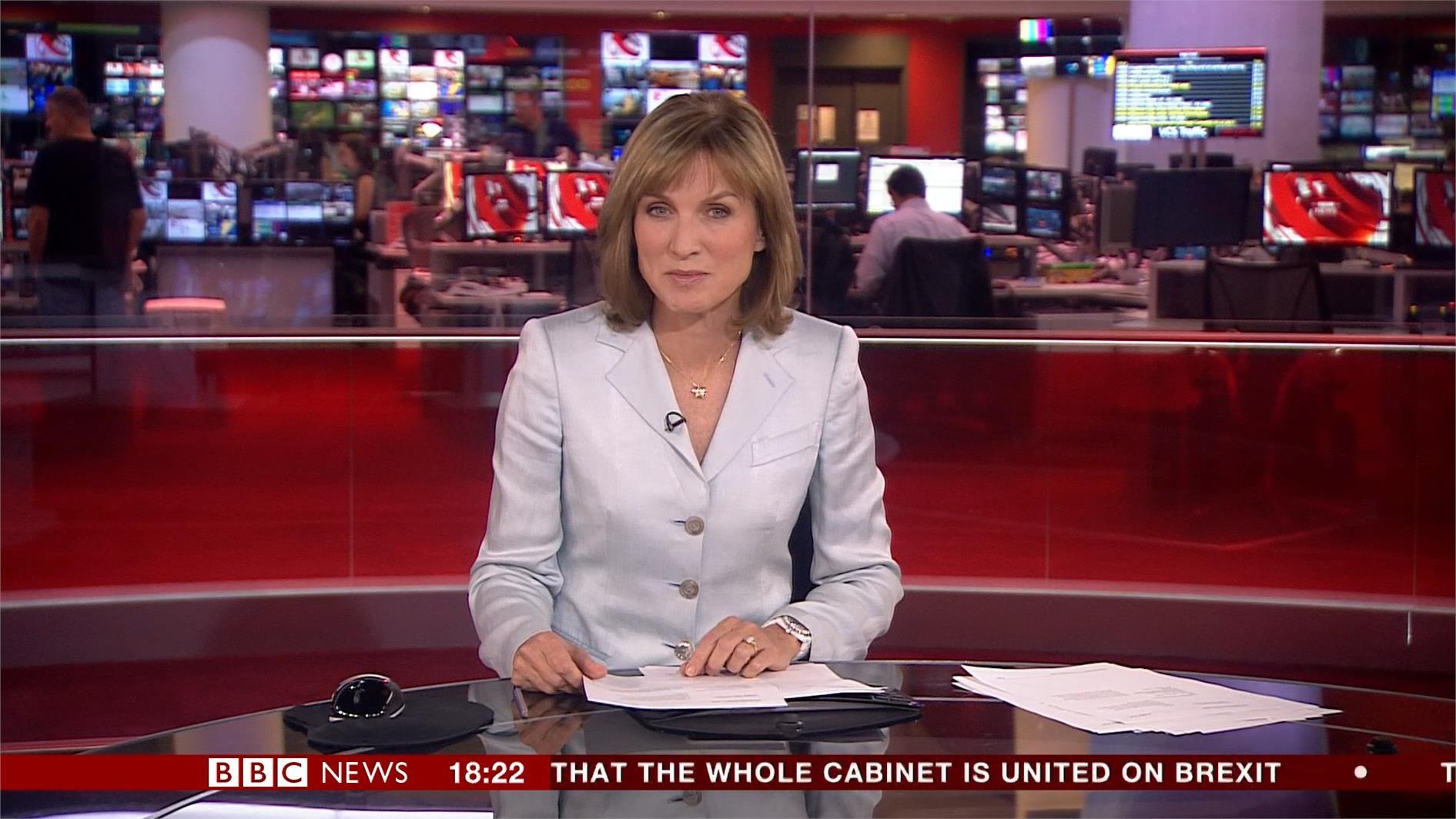 Fiona Bruce - BBC News Presenter (15)