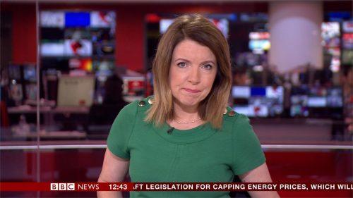 Annita McVeigh - BBC News Presenter (2)