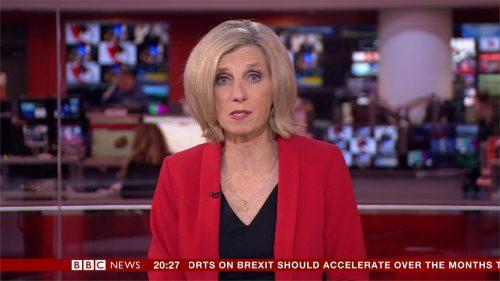 Carole Walker - BBC News Presenter (2)