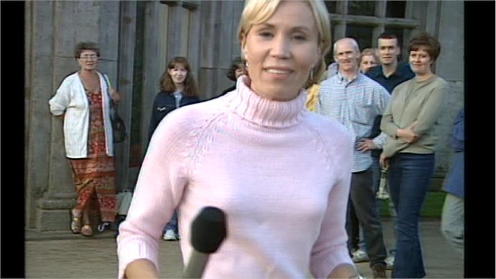 Dianne Oxberry - BBC North West Tonight Presenter (14)