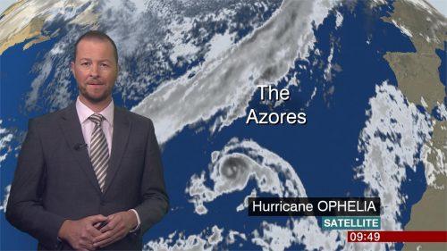 Darren Bett - BBC Weather Presenter (4)