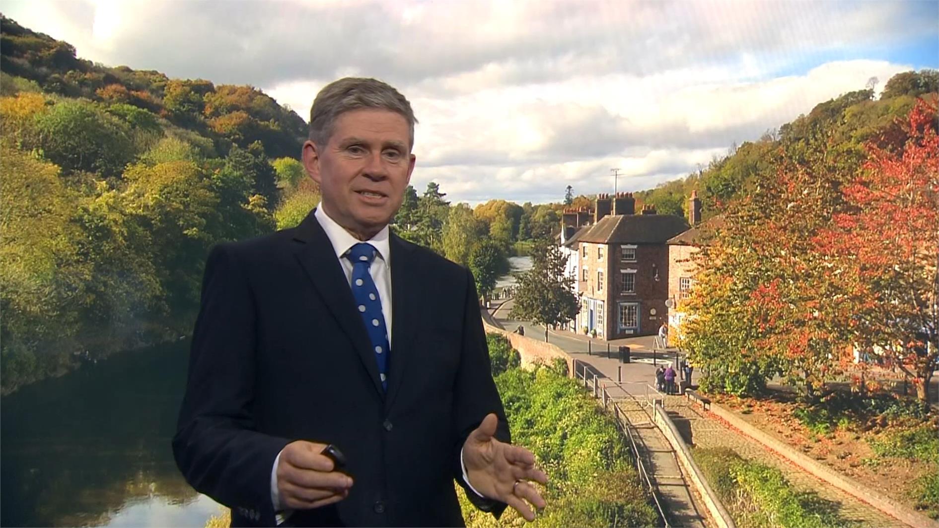 Philip Avery - BBC Weather Presenter (4)
