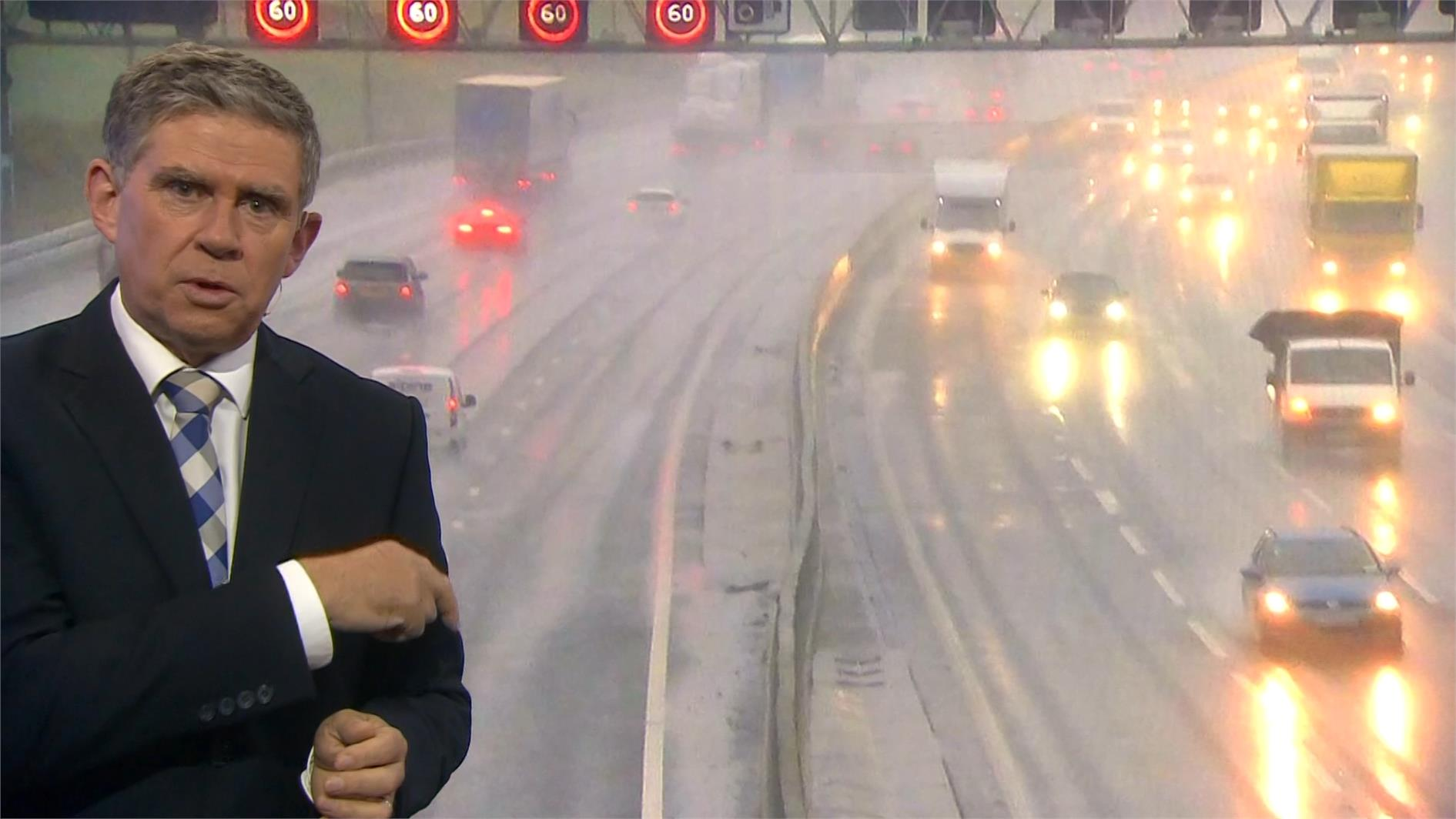 Philip Avery - BBC Weather Presenter (7)