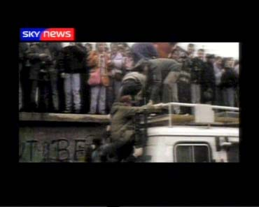 sky-news-promo-2004-15yearsofsky1-509