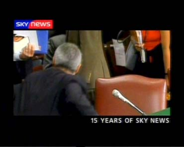 sky-news-promo-2004-15yearsofsky2-15035