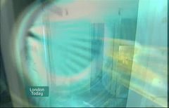 itv-news-presentation-lunchtime-news-late-2006-21