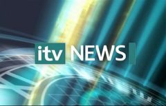 itv-news-presentation-lunchtime-news-late-2006-32