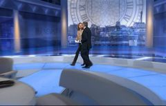 itv-news-presentation-lunchtime-news-late-2006-35
