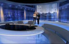 itv-news-presentation-lunchtime-news-late-2006-36