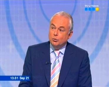 itv-news-at-50-martyn-lewis-27