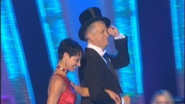 nicholas-owen-on-strictly-come-dancing-8