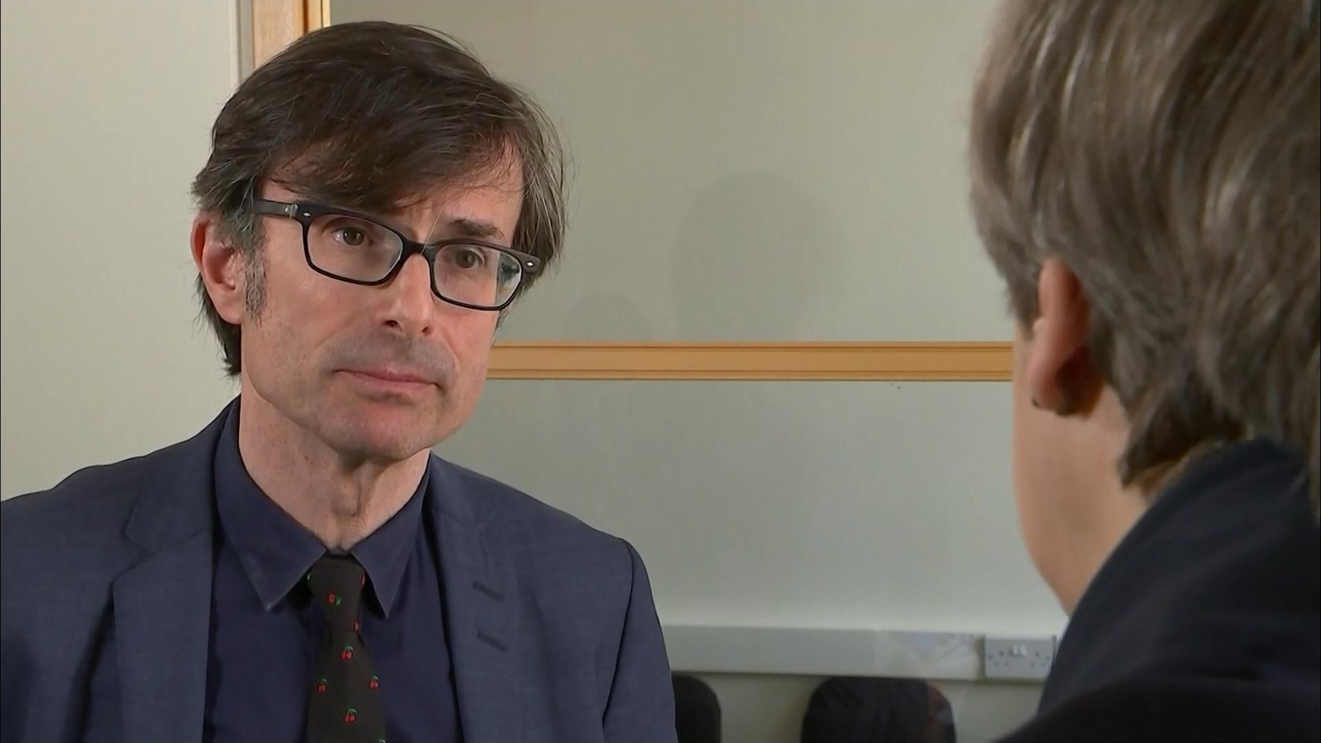 Robert Peston - ITV News Reporter (7)