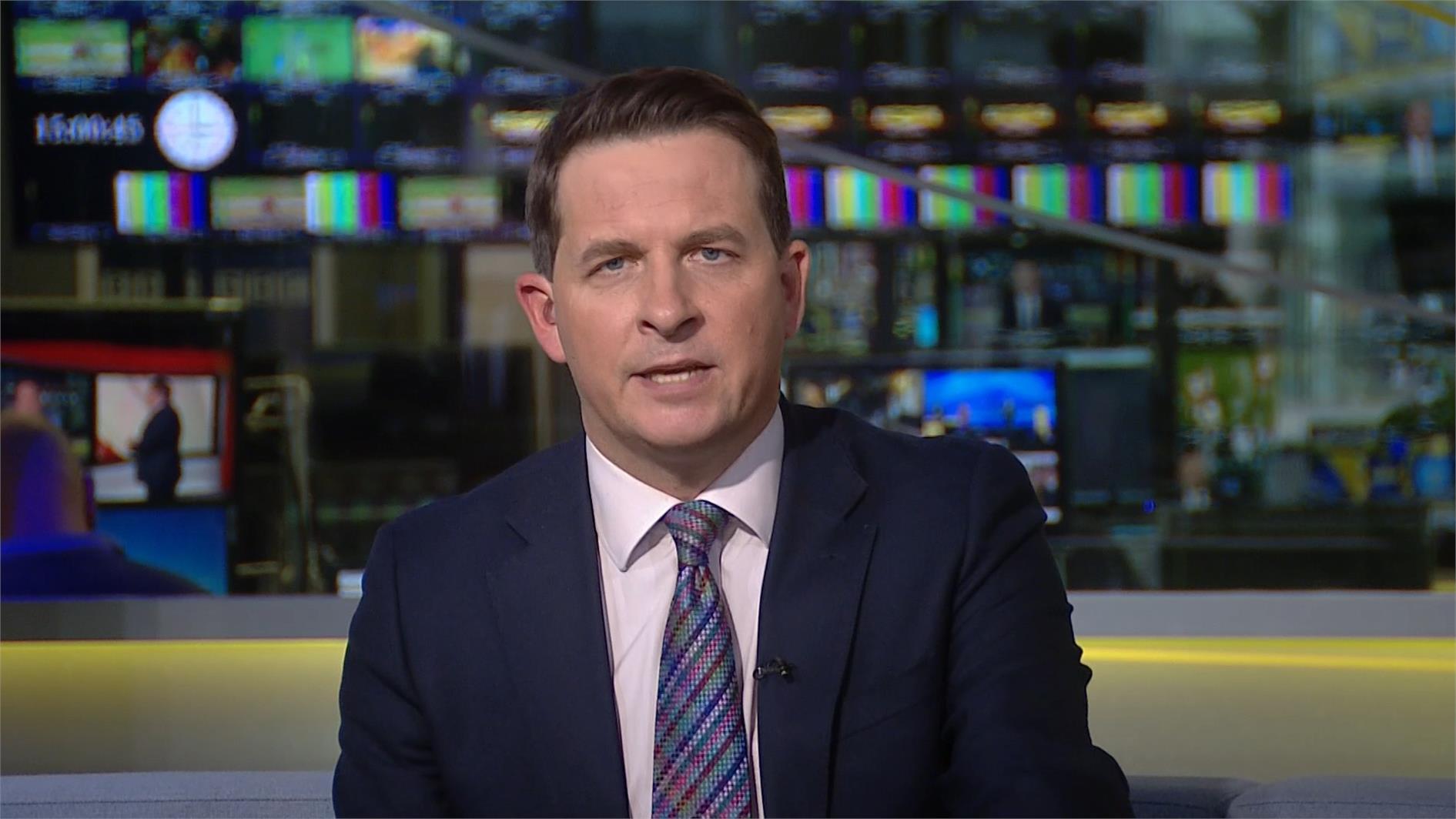 Olly Foster - BBC Sport Presenter (11)