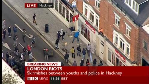 uk-riots-bbc-news-24561