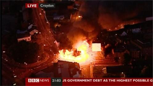 uk-riots-bbc-news-24564