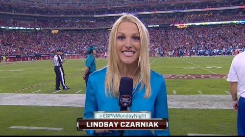 Lindsay Czarniak - NFL on ESPN - Sideline Reporter (2)