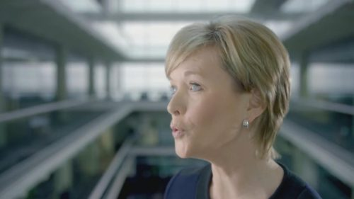 ITV News at Ten with Julie Etchingham 02-25 21-08-48