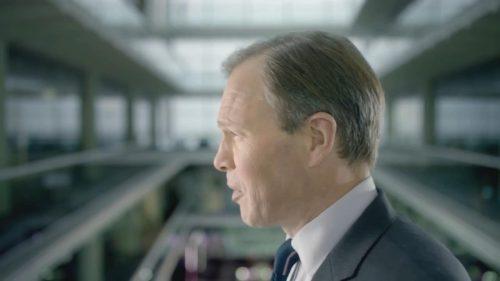 ITV News at Ten with Tom Bradby 02-25 20-11-49