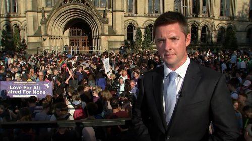 Manchester Attack - ITV News (21)