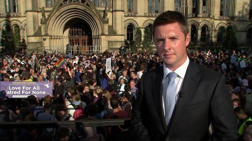 Manchester Attack - ITV News (22)