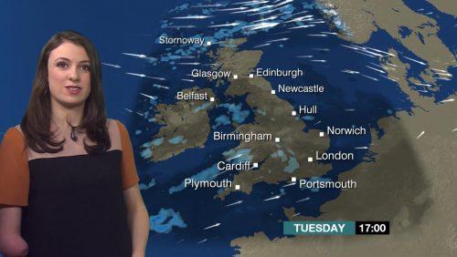 Lucy Martin BBC Weather Presenter (14)