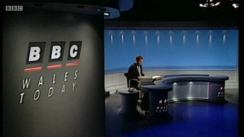 Jamie Owen - BBC Wales - Leaves (1)