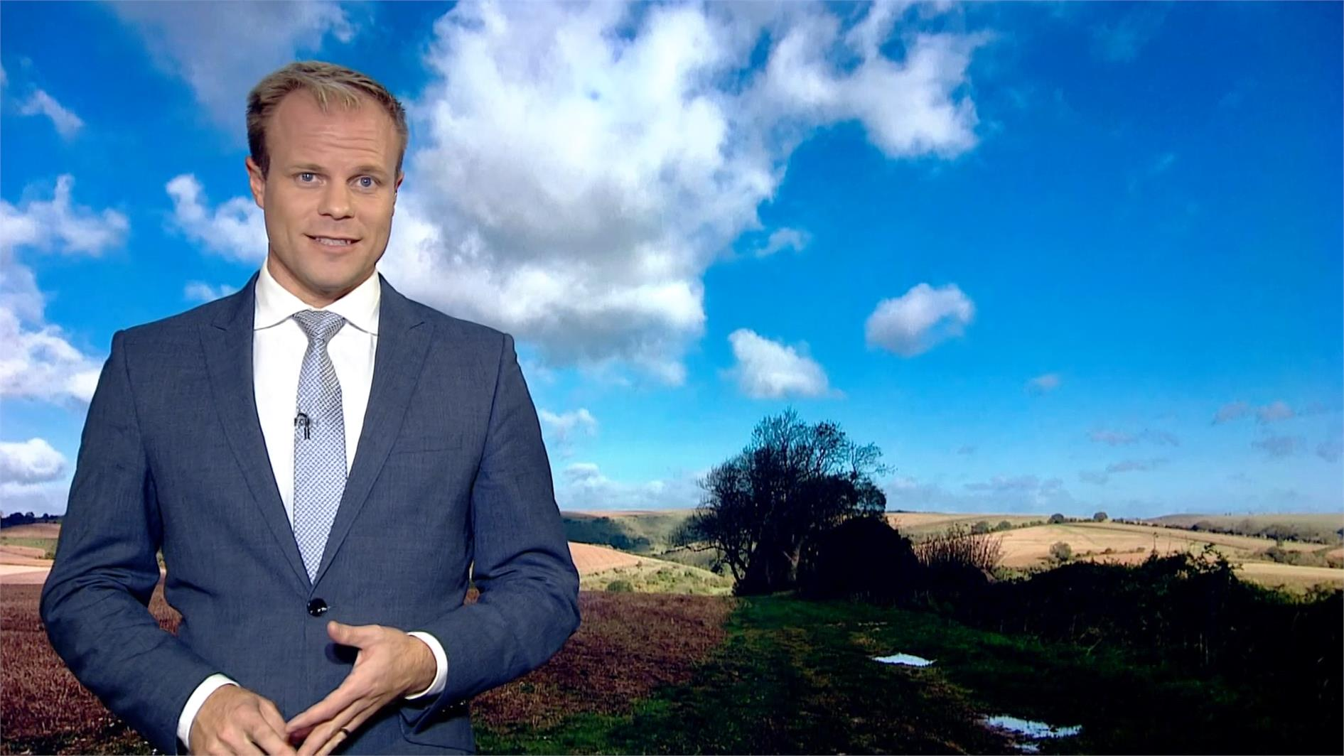 Simon King - BBC Weather Presenter (3)