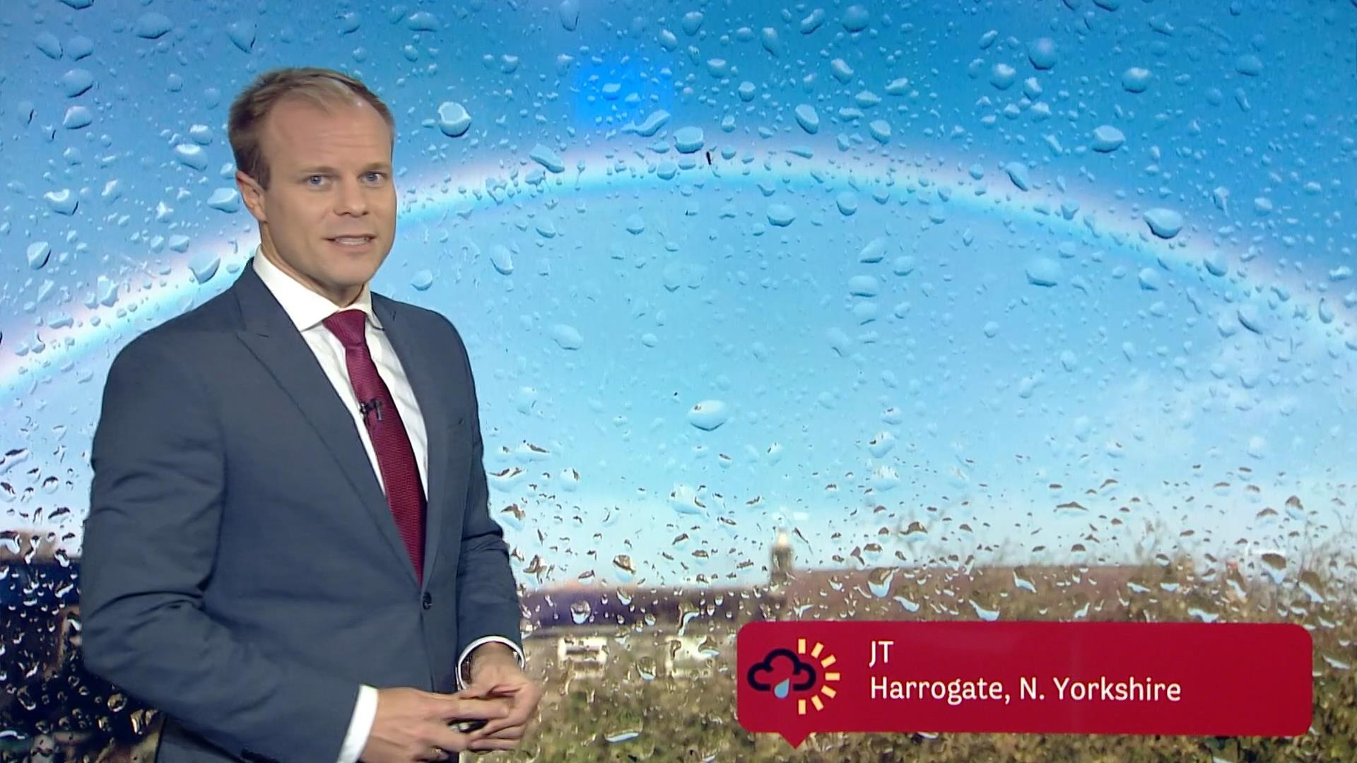 Simon King - BBC Weather Presenter (7)
