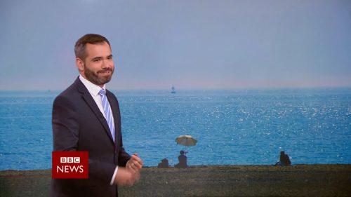 Afternoon Live with Simon McCoy - BBC News Promo 2018 (11)