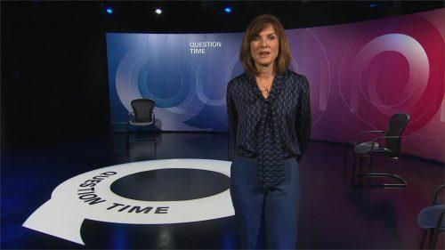 Bringing Us Closer - BBC News Promo 2020 (15)