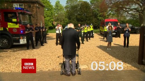 Clap for Carers - BBC News Countdown 2020 (20)